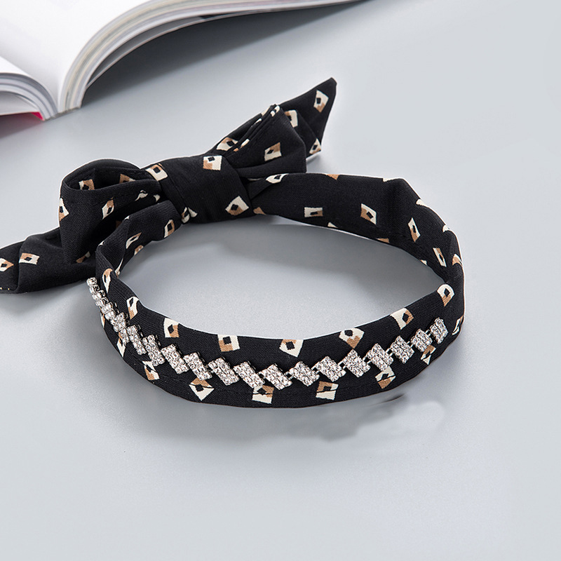 MLCK-12321 fashion korean style geometric of printing with rhinestone decorated choker for women. China Jewelry Factory Fashion Accessories Manufactusre Fashion Jewelry Supplier.