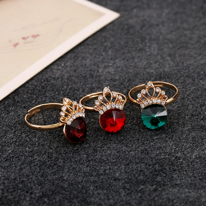 Kq 1243 Fashion Retro Gold Plating Rhinestone Crown Ring Guangdong Jewelry Factory Accessories